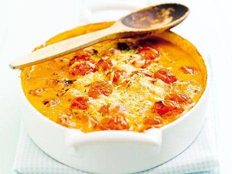 Enkel, ugnsgratinerad kyckling med smak av paprika och tomat. Recept ur boken LCHF för kvinnor.