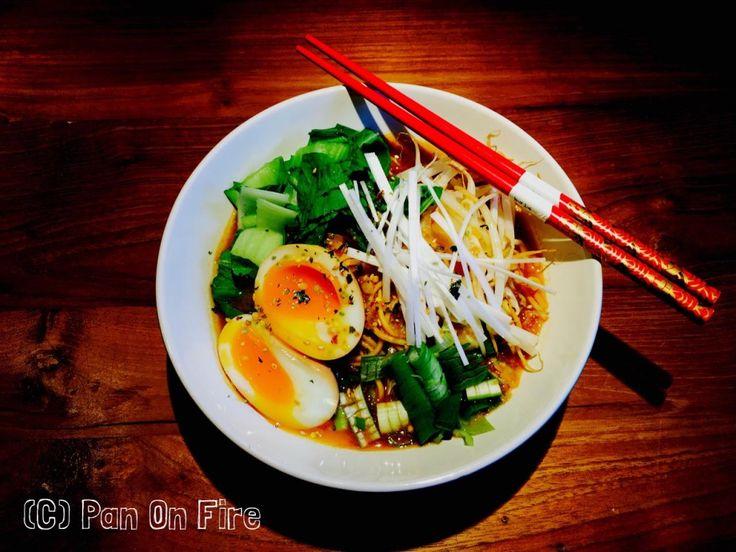 De lekkerste Japanse Miso Ramen - Pan on Fire