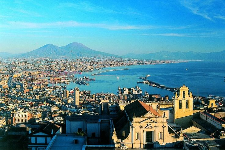 """A Napoli la """"Notte degli innamorati il prossimo 14 febbraio e a marzo il Festival del bacio"""