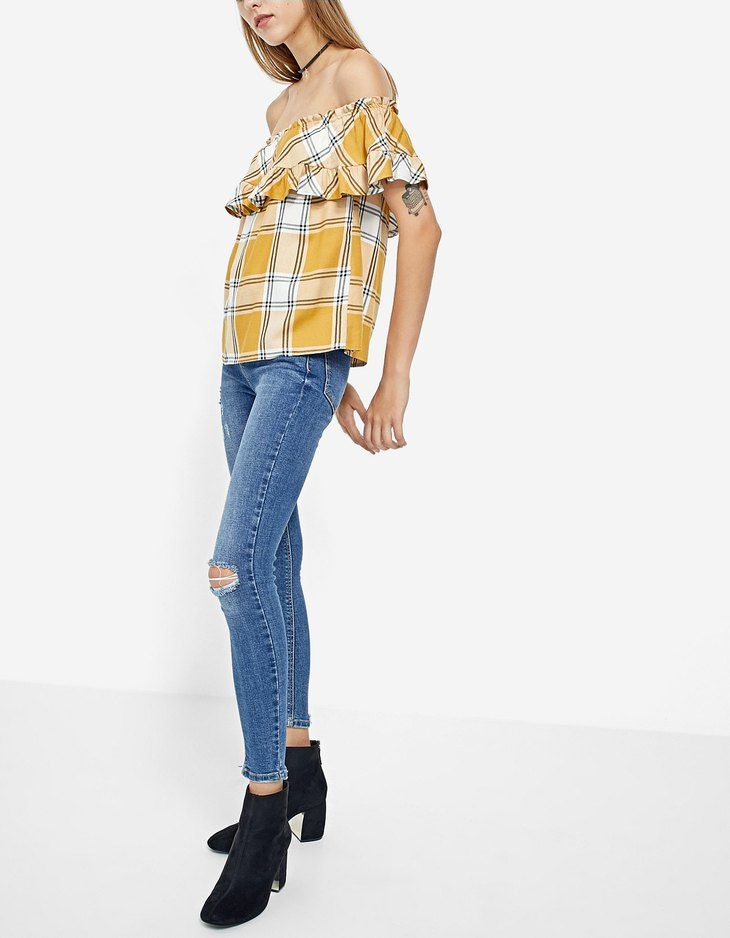 At Stradivarius you'll find 1 Checked off-the-shoulder shirt for just 3186 Japan . Visit now to discover this and more Trousers.