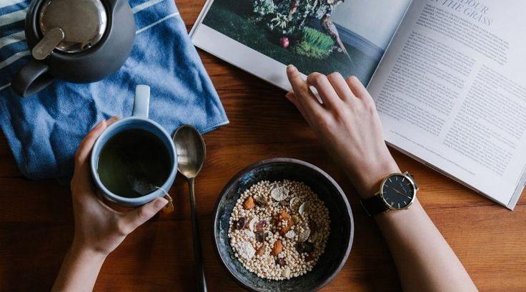 Ceaiul negru, asemeni ceaiului verde si cafelei, trebuie consumat cu moderatie. O ceasca-doua pe zi, sunt cantitatea optima pentru majoritatea dintre noi, dar daca medicul are o alta recomandare, urmeaza-i sfatul.