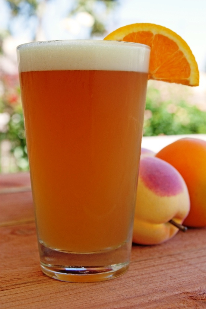 Peach Moon: Blue Moon, 1 shot of Peach Schnapps & And dash of OJ! I need this now!  Yum!  I love Blue Moon....I think I am going to love this one!