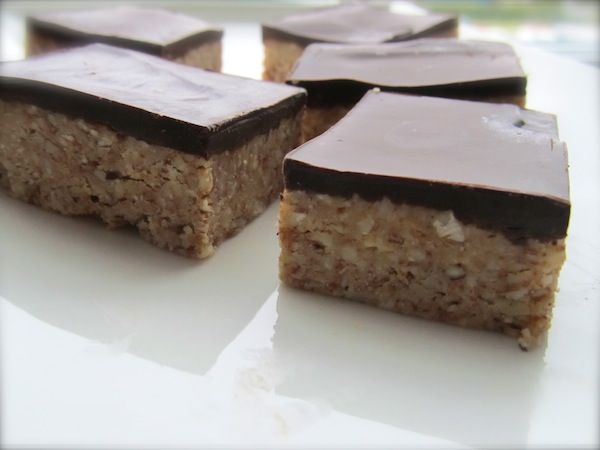 Homemade Almond Power Bars for Non-Lazy People