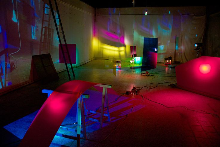 Studio for Immediate Spaces: Performing light