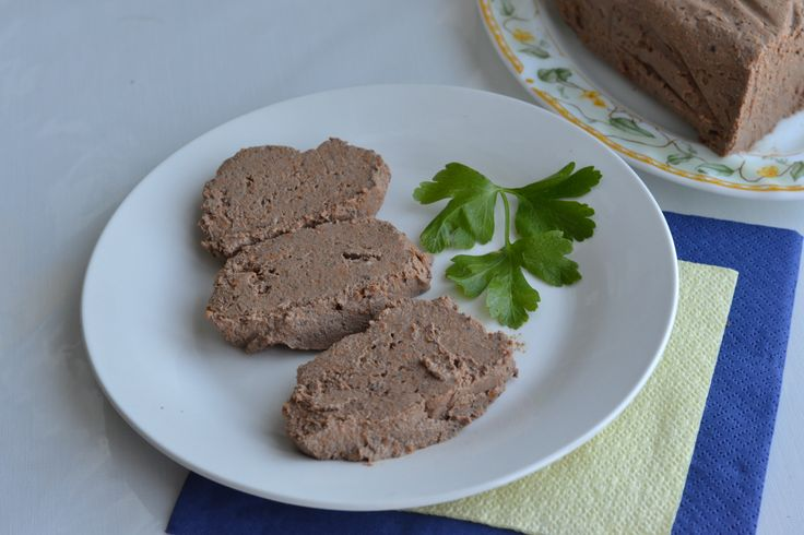 Куриный паштет в мультиварке! Отличный рецепт!  http://ligakulinarov.ru/recepty/buterbrody/pechen/kurinyy-pashtet-v-multivarke-103584