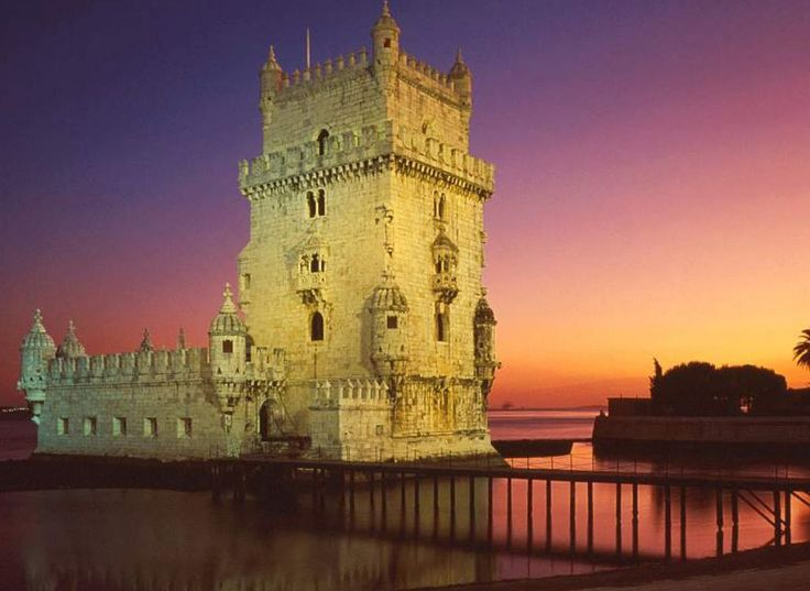 Built on the northern bank of the Tagus between 1514 and 1520 as part of the Tagus estuary defence system, the Tower of Belém is one of the architectural jewels of the reign of Manuel I.