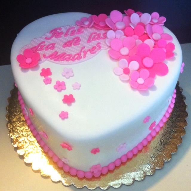 Mother 39 s day cake cake design pinterest m res id es de g teaux et g teau de f te des m res - Gateau fete des meres ...