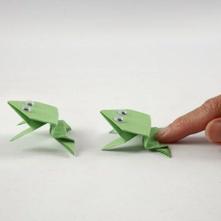 Een origami kikker met wiebelogen | DIY handleiding