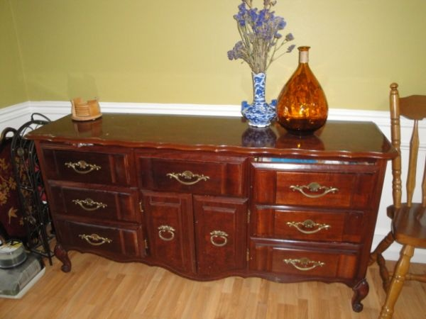 Cherry Buffet Table Free