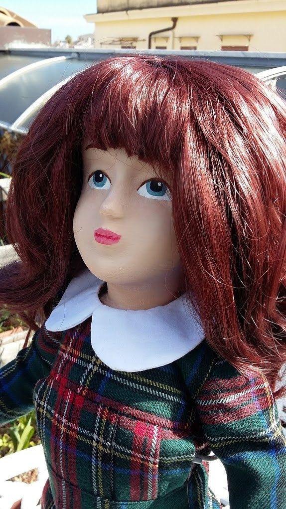 Zisa Doll in abito scozzese