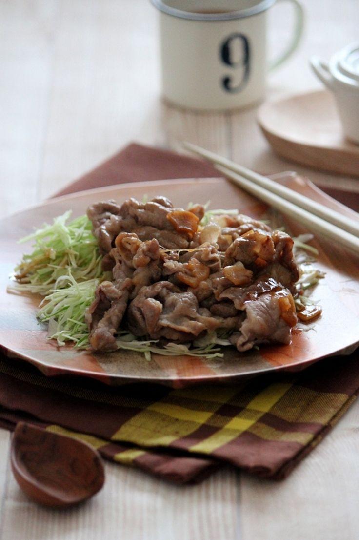 千切りキャベツと食べる、豚肉のガーリックバター炒め。 by 栁川かおり   レシピサイト「Nadia   ナディア」プロの料理を無料で検索