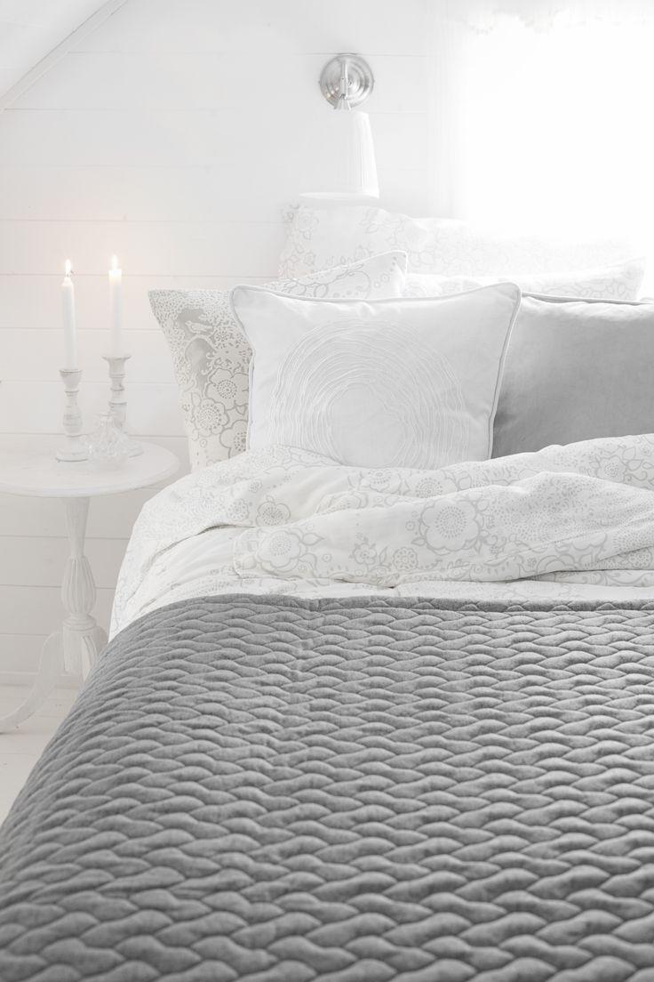 Lennol   TOVI Cushion, White & BLACKBIRD Duvet cover set, White