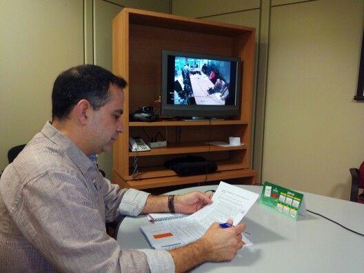 A punto de comenzar la tercera mesa de negociación por videconferencia con la Consejería de Educación sobre medidas para la estabilización del profesorado interino de Canarias. Pocas expectativas pero veremos...