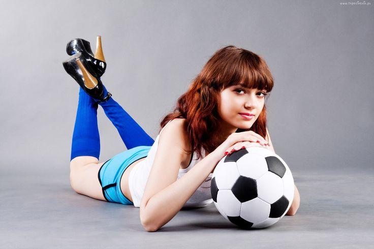 Piłka, Kobieta