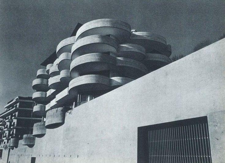 • PALAZZINA SAN MAURIZIO • LUIGI MORETTI • Palazzina San Maurizio Luigi Moretti progetta nel 1962 un edificio per abitazioni sulle pendici di Monte Mario, a Roma.   Dall'archivio / Luigi Moretti