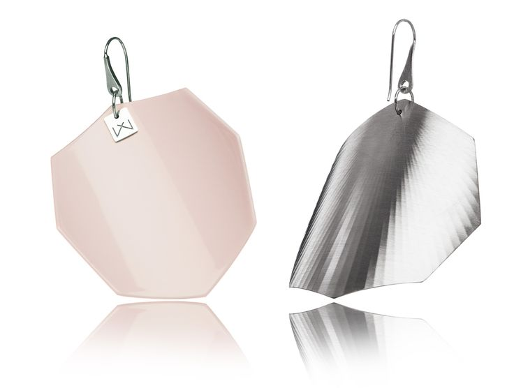 MAGNOLIAPINK-OCTAGON-RHODIUM  Hanger: 925 STERLING silver with rhodium flashing.   Front part: colored, high gloss homogenous surface, UV-resistant.   Back part:  satin effect metal surface, rhodium coating (platinum flashing) in 3 layers.   Gloss preserving, wear-proof, oxidation resistant and anti-allergenic.  Available in three sizes: with a diameter of 4, 5 and 6 cms.