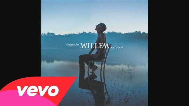 """Christophe Willem - Le chagrin (Audio) Christophe Willem est de retour ! Avec un peu d'avance, le chanteur, révélé dans """"Nouvelle Star"""", dévoile son tout nouveau single """"Le chagrin"""". Une ballade aérienne et brumeuse."""