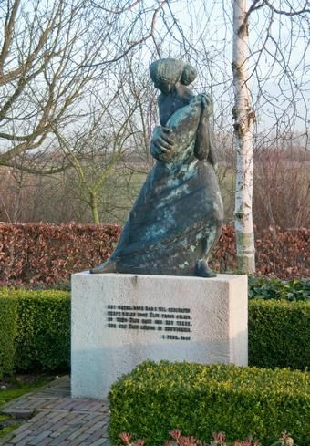 Oude Tonge (Z-H) - Watersnoodmonument