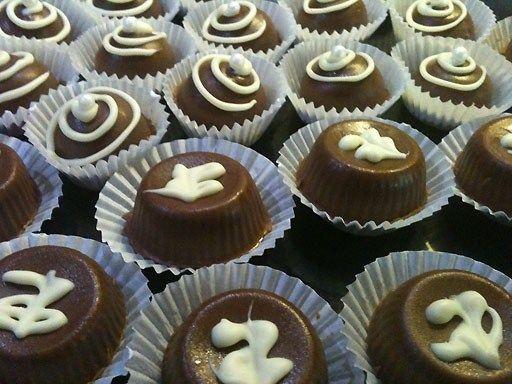 1000+ images about Bonbons on Pinterest | Bonbon, Bakeries and ...