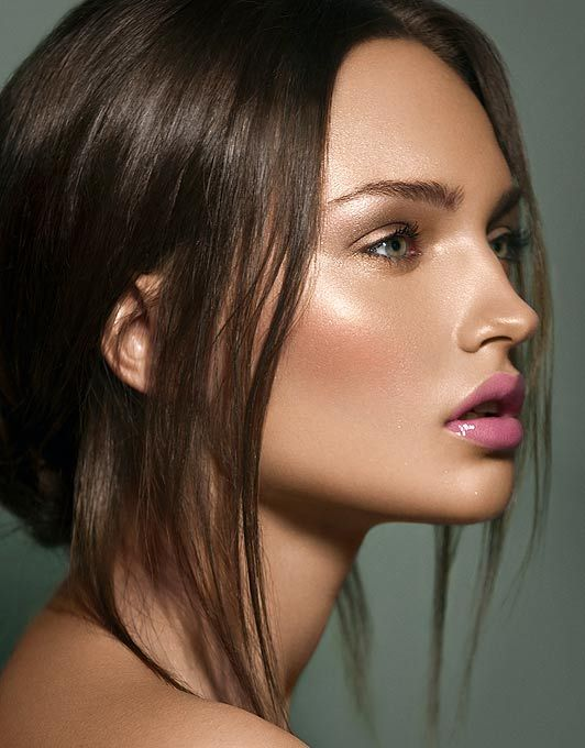 soft glow + soft lip + bold eye brows. beautiful: Glow Skin, Make Up, Faces, Makeup, Dewy Skin, Beautiful, Pink Lips, Hair, Highlights