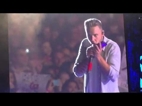 One Direction - Otra, San Diego, July 9th, 2015 (Liam calling a fan's mom) (Creds: Elizabeth Bruno) - YouTube