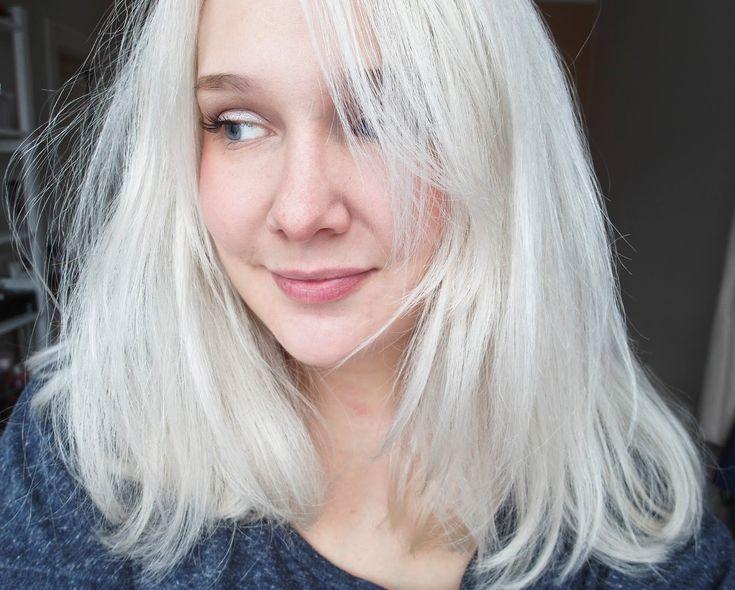 Le blond presque blanc : mes conseils pour une décoloration à la maison