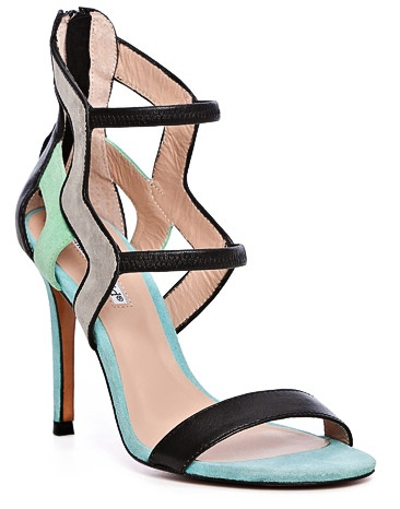 these are hot.  Charles David - Paradox Geometric cutout shoe: Fabulous Shoes, Charles David Shoes, Geometric Cutout, Style, Dresses Shoes, David Paradox, Shoes Art, Paradox Geometric, Cutout Sandals