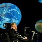 Stephen Hawking met en garde l'humanité de sa destruction http://www.lepetitshaman.com/stephen-hawking-met-en-garde-lhumanite-de-sa-destruction/