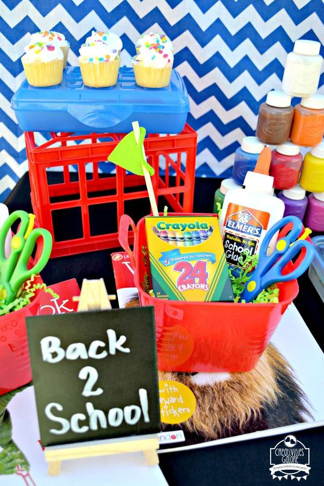 269 best back to school party ideas images on pinterest for Old school party decorations