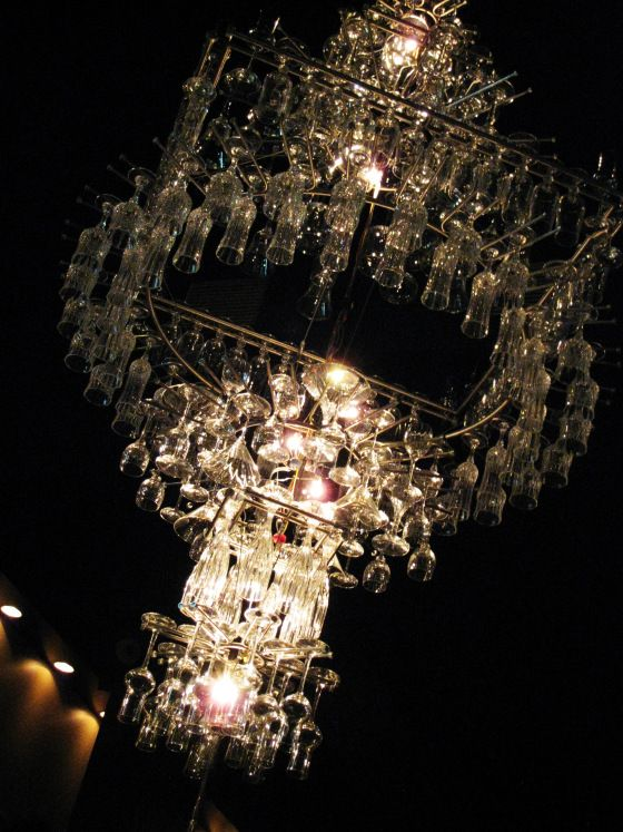 Pullman S Wine Bar In Montreal What A Chandelier Montreal Chandelier Chandelier Pendant Lights