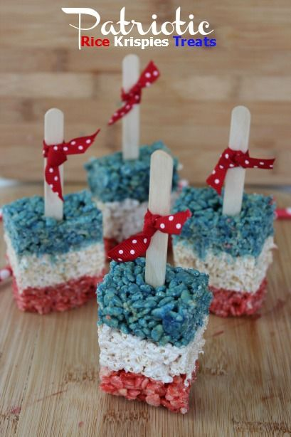 Patriotic Rice Krispies Treats #redwhiteblue