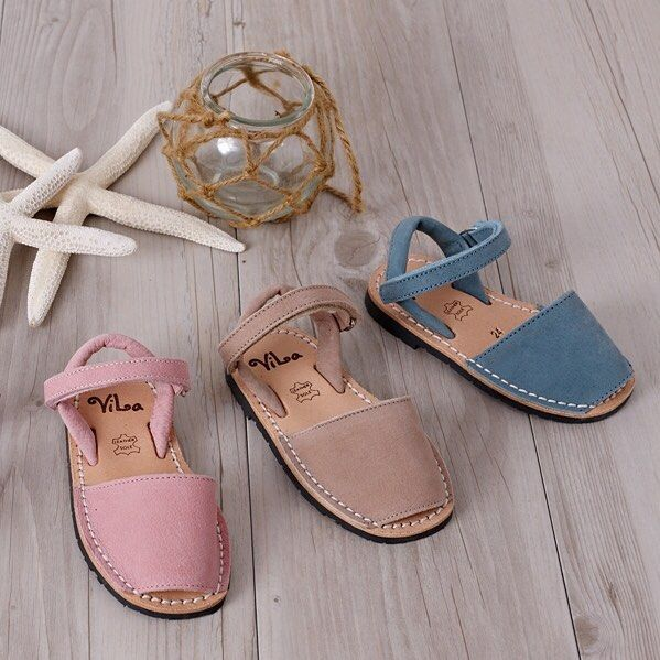 An image of our classic series ViLa Australia sandal in pink, beige, blue.