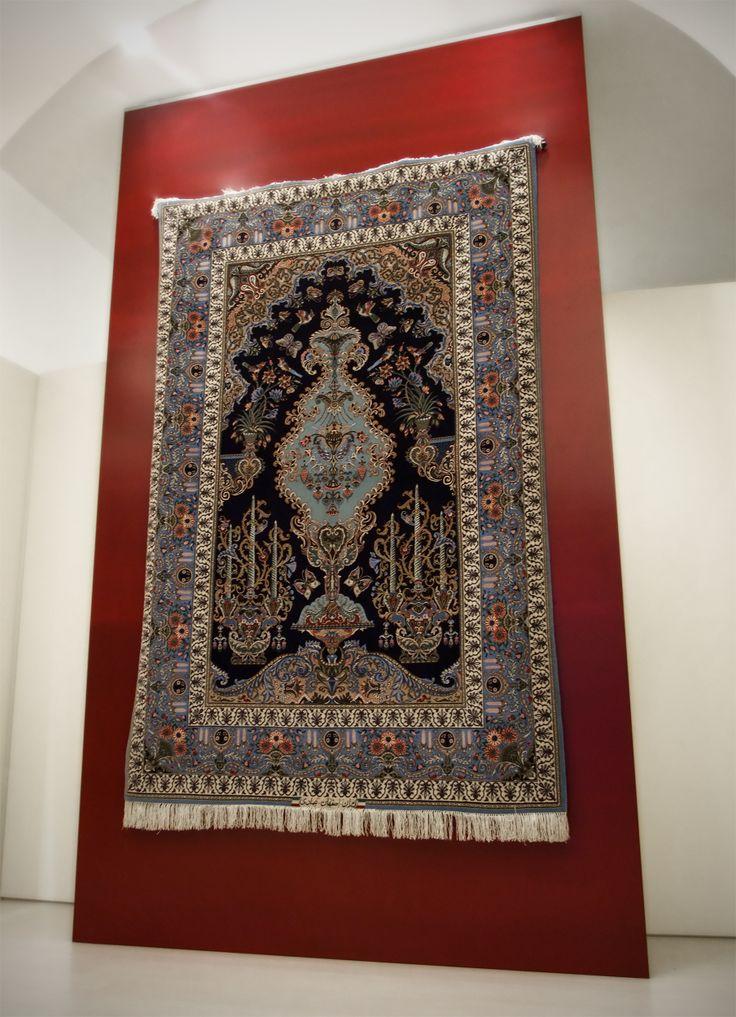 Pregiatissimo Isfahan 245x160 cm, trama e ordito in seta, vello lana e seta.