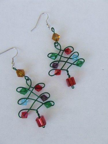 Idea: Wire Wrapped Christmas Tree Earrings | Rosesjewelrydesigns - Jewelry on ArtFire