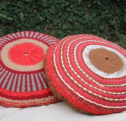 Almohadón redondo tejido en telar