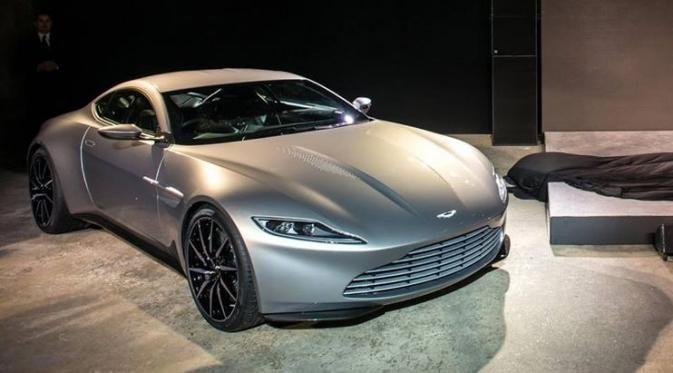 Aston Martin DB10 dibangun di atas platform milik DB9. http://bit.ly/1BAstAF
