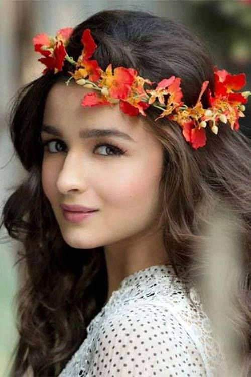 Alia Bhat. (Bollywood Star) So pretty. #BollywoodLadiesFashion