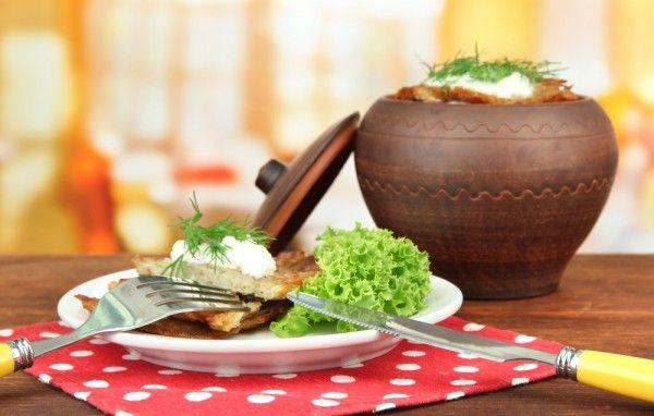 Деруны с грибами в горшочках, ссылка на рецепт - https://recase.org/deruny-s-gribami-v-gorshochkah-2/  #Овощи #блюдо #кухня #пища #рецепты #кулинария #еда #блюда #food #cook