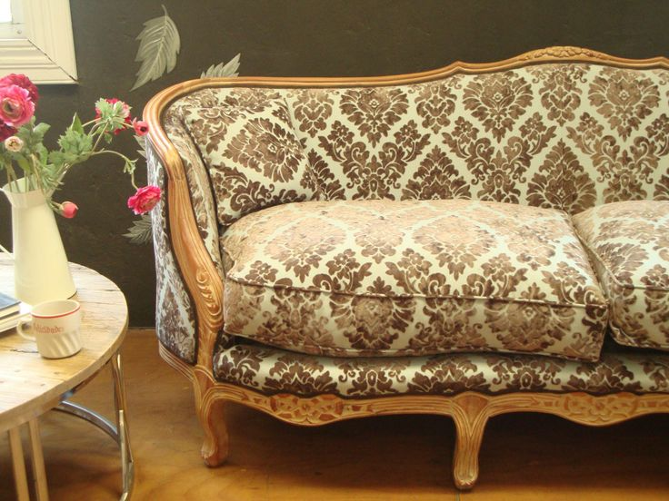 Detalle sofá redondo