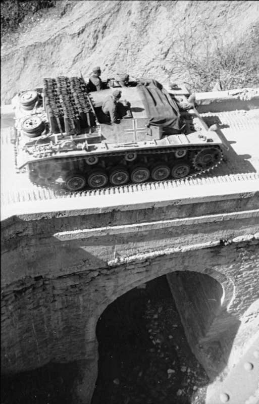StuG III with lots of fuel