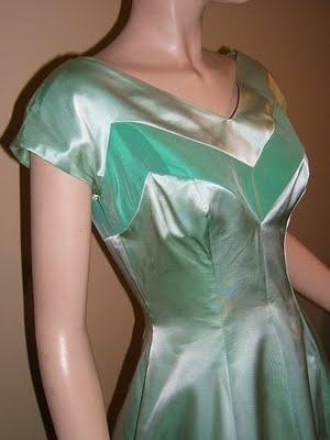 1940's dress close up