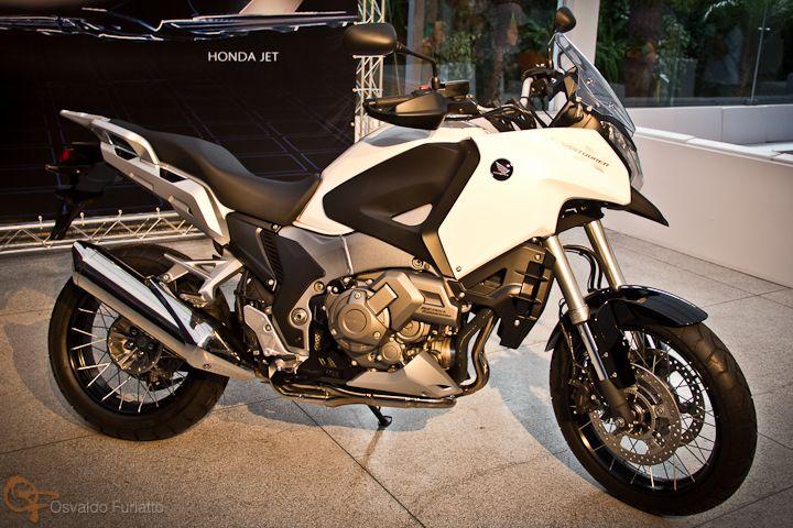 Uma moto por dia: Dia 262 – Honda VFR 1200X Crosstourerr #umamotopordia #osvaldofuriatto