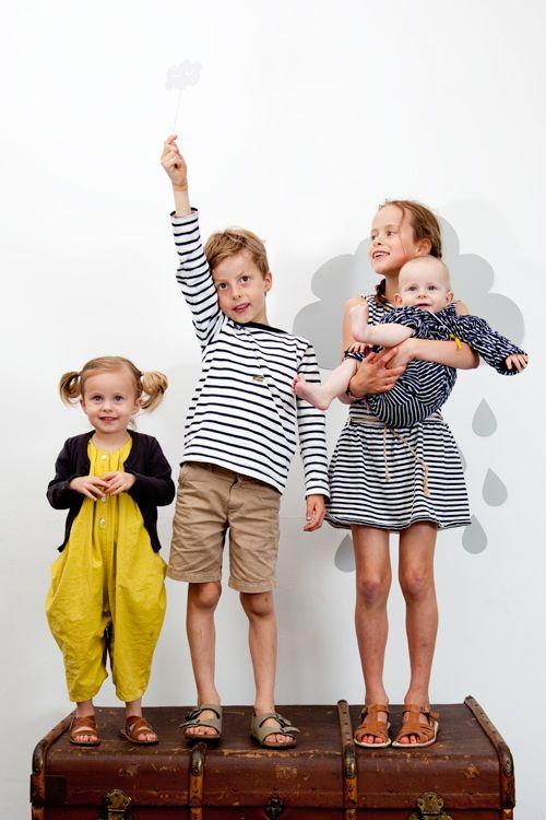 Preppy Petit Bateau style kids clothing Maud_fontein-niña pequeña y tb idea para fotos #kids #designer #fashion