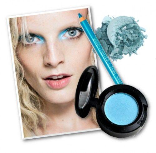 Τα μοντέλα της Anna Sui είχαν το πιο εντυπωσιακό baby blue smoky που έχουμε δει. Για να το αντιγράψετε, αποφύγετε το μακιγιάζ στο υπόλοιπο πρόσωπο και δημιουργήστε μια καλή βάση. Αν θέλετε να δώσετε χρώμα στα μάγουλα μην επιλέξετε ρουζ ροδακινί ή απλά ένα μπρόνζερ.  Σκιά, Eyeshadow στην απόχρωση Aquadisiac, MAC 19€, MAC, τηλ. 210 3258260 Σκιά, Phyto-Ombre Eclat στην απόχρωση Sky Blue, Sisley 32,40€, notosgalleries, τηλ. 210 3245811 Μολύβι ματιών, Regard Effet Metalisee No 54, Bourjois 13€