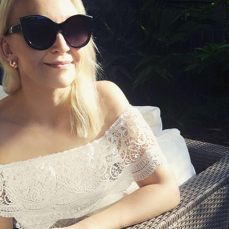 @sinnakeur wearing our 'Laura Lace Top', 'Black Sunglasses' and 'Rose Gold Earrings' | Scandinavian Style | #sinnakeur