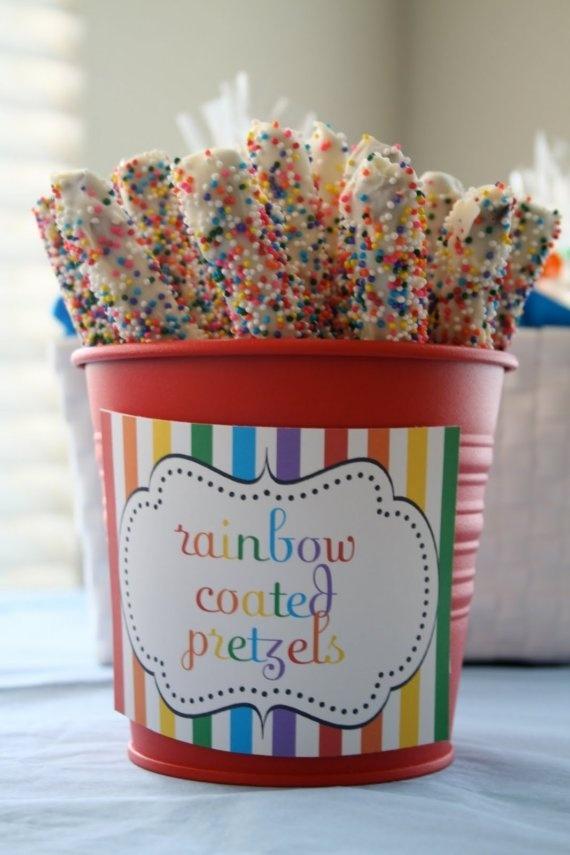art party treatsPretzel Rods, Birthday Parties, Rainbows Birthday, Rainbows Pretzels, Rainbows Parties, Parties Ideas, Parties Theme, Pretzels Rods, Rainbow Parties