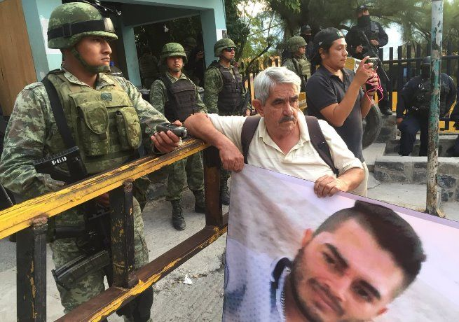 #DESTACADAS:  Ejército y Policía Estatal blindan Chilpancingo - Sexenio, Extraordinary Life (Comunicado de prensa)
