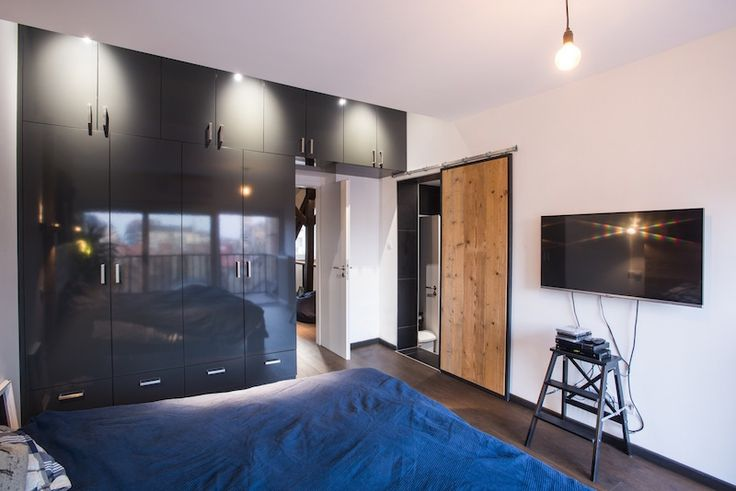 Apartment Remodel Uncovers Its History And Restores Its Charm