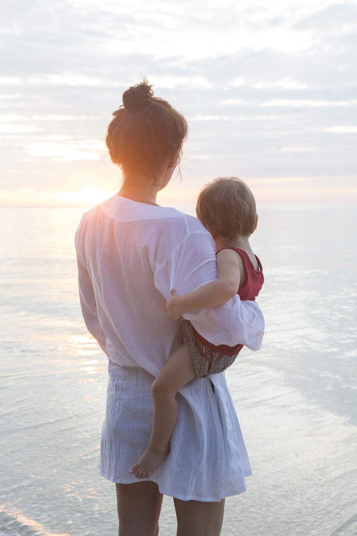 Картинки мать с дочкой со спины