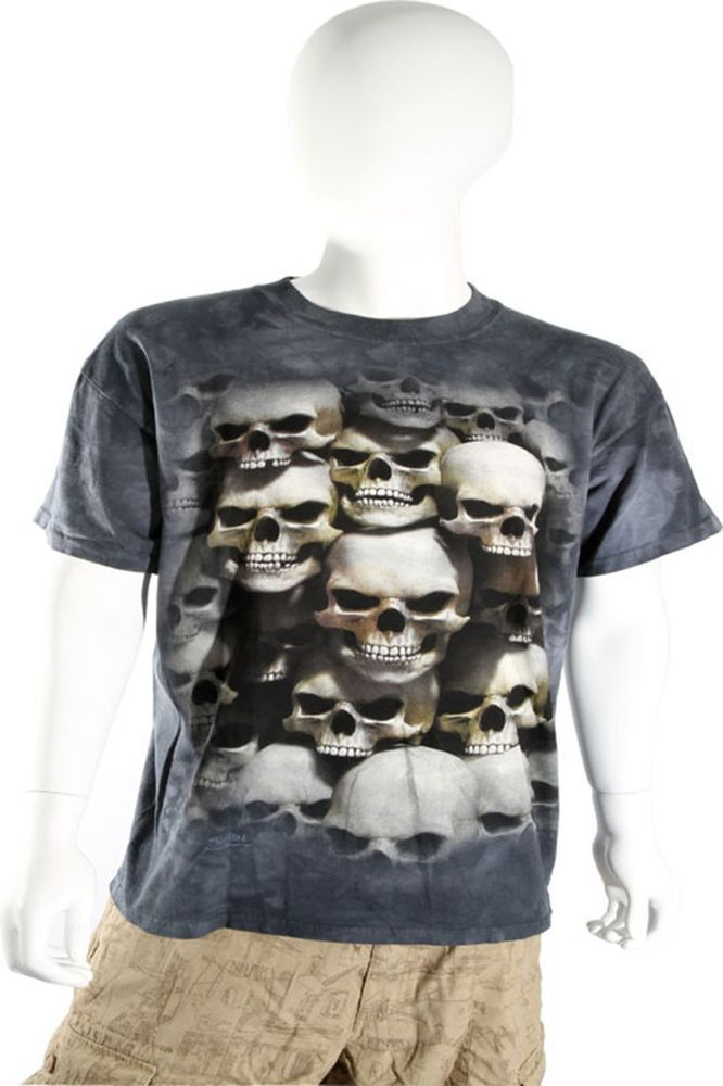 Skulbone Gray Black Grey Stacked Skulls Crypt Short Sleeve T Shirt $20.80 CAD Now 75% OFF